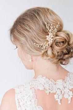 Blush Freshwater Pearl Bridal Hair Comb, Bridal Hairpiece, Pearl Hair Comb, Bridal Head Piece, Floral Hair Comb, Floral Hairpiece    { designed