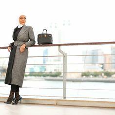 Hijab Fashion, Fashion Dresses, Kids Fashion, Winter Fashion, Black Poncho, Hijab Outfit, Fashion Addict, Trendy Outfits, Beautiful Pictures