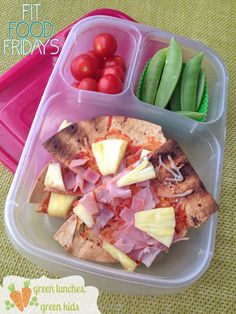 #FitFoodFridays is back on Green Lunches, Green Kids today with this Healthy Hawaiian Pizza! #21DayFix approved