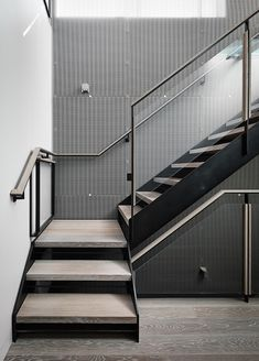 Nice staircase - Telegraph Hill by Feldman Architecture Stair Railing Design, Stair Handrail, Staircase Railings, Stairways, Concrete Stairs, Precast Concrete, Steel Stairs, San Francisco Houses, Stairs Architecture