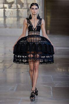 Guo Pei Fall 2018 Couture Photos