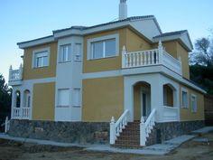 #Casas #Clasico #Exterior #Porche #Escalera #Puertas #Fachada #Barandillas #Peldaños #Ventanas