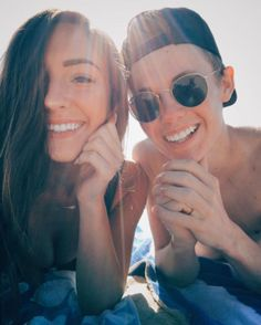 Tanner Fox and Taylor Alesia in a selfie in April Cute Celebrity Couples, Cute Couples, Jimmy Tatro, Tanner Fox, Taylor Alesia, Cody Ko, Youtube Vines, Hannah Stocking, Jake Paul