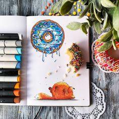 """При фотографировании пострадал только один пончик... Добавила сладенького для марафона """"Рисуем радость!"""" #марафон_рр #рисуйкаждыйдень #ярисую #скетчбук #скетчинг #спиртовыемаркеры #leuchtturm1917 #markers #art_markers  #sketch #sketchbook #art #sketching  #sketchart #illustration #illustrator #illustrationart  #лиса #лисарулит #fox #пончик #donats"""