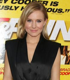 Kristen Bell rocks loose curls