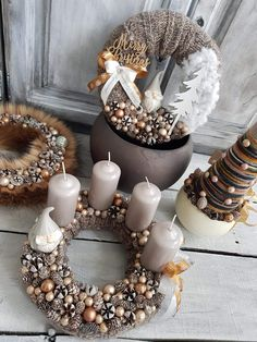 Cute winter decorations Christmas Makes, Merry Little Christmas, Christmas Baby, Beautiful Christmas, Winter Christmas, Christmas Advent Wreath, Holiday Wreaths, Christmas Crafts, Christmas Front Doors