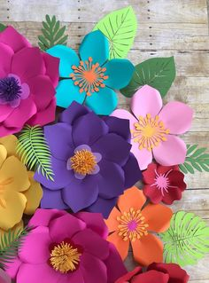 Colorful paper flowers for party decor Giant Paper Flowers, Large Flowers, Felt Flowers, Diy Flowers, Moana Birthday Decorations, Flower Decorations, Moana Backdrop, Diy Paper, Paper Crafts