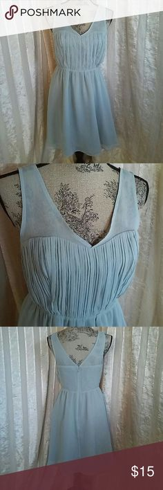 "LC Lauren Conrad Women's Dress Women's  Mint green dress By LC Lauren Conrad  Size 6 Measures about 15 "" across chest  About 13"" flat across waist  About 34"" in length  Great preowned condition LC Lauren Conrad Dresses"