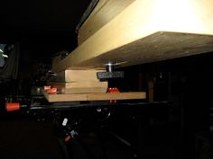 How to build your own home made ski wax bench Home Made Wax, Build Your Own House, Building A House, Workshop, Bench, Outdoors, Ceiling Lights, Sports, Home Decor
