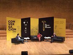 Vargas Llosa y Javier Cercas hablaron del oficio de escribir en Alicante.