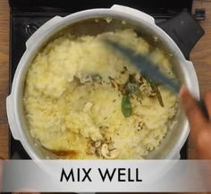 घर पर वेन पोंगल कैसे बनाये? (हिंदी में) Ven Pongal Recipe Step By Step Photo Ven Pongal Recipe, Recipe Steps, Mashed Potatoes, Ethnic Recipes, Food, Whipped Potatoes, Smash Potatoes, Essen, Meals