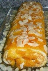 Torta de Amêndoa com Ovos-moles