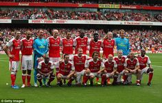 A star-studded Gunners team, featuring the likes of Jens Lehmann, Gilberto Silva and Freddie Ljungberg, posed for a team photo in the wake of their victory at the Emirates on Saturday. Architecture Tattoo, Celebrity Travel, Old Trafford, Funny Tattoos, Team Photos, Great Team, Arsenal Fc, Design Quotes, Fernando Torres
