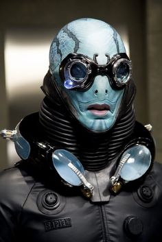 Doug Jones as Abe Sapien in Hellboy II: The Golden Army. Hellboy 2004, Science Fiction, Abe Sapien, Book Art, The Shape Of Water, Arte Robot, Special Effects Makeup, Special Makeup, Polychromos