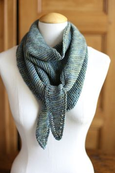 easy garter stitch triangle scarf item type scarves yarn weight sport ...