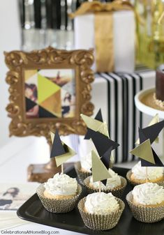 pear tree graduation cupcakes