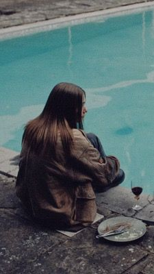 The end of the f***ing world, Jessica Barden, metadinha couple. Netflix Series, Series Movies, Tv Series, The End, End Of The World, Ing Words, Jessica Barden, Ft Tumblr, Couple Wallpaper