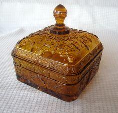 Tiara Indiana Glass Amber Honey Bee Box & Cover #IndianaGlass