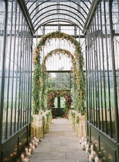 Awesome 10+ Nice Mirrored Wedding Aisle https://weddmagz.com/10-nice-mirrored-wedding-aisle/