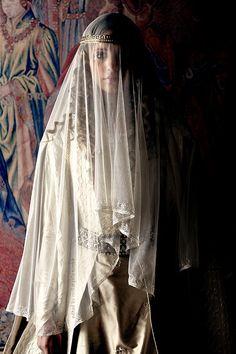 Example of a century wedding dres. Writing Inspiration, Character Inspiration, Isabel I, Irish Mythology, Movie Costumes, European History, Period Dramas, Archetypes, Middle Ages