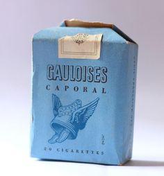 les cigarettes de papa et de mon grand-père. J'allais leur acheter au bureau de tabac...