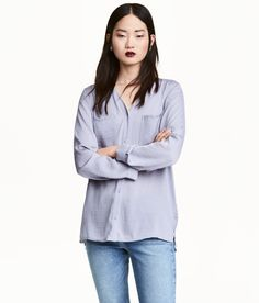 V-ringad blus | Lavendel | Dam | H&M SE