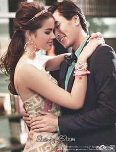 Yaya & Nadech (Nadech Kugimiya and Urassaya Sperbund) SWEET! Tv Couples, Muslim Couples, Celebrity Couples, Thai Fashion, Cute Girl Face, Sweet Couple, Cute Korean, Celebs, Celebrities