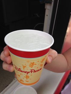 Where to find free water at Disney World ... a great way to save money!