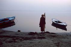 """""""En Inde, la Haute Cour de l'Etat himalayen de l'Uttarakhand a décrété que le Gange et l'un de ses affluents, la Yamuna, seraient désormais considérés comme des « entités vivantes ayant le statut de personne morale » et les droits afférents.""""... http://www.telerama.fr/idees/le-droit-est-un-outil-pour-reconnaitre-une-personnalite-juridique-a-des-ecosystemes,155816.php"""
