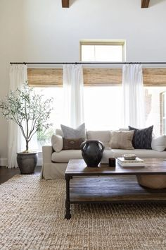 Living Room Inspiration, Home Decor Inspiration, Inspiration Design, Living Room Furniture, Home Furniture, Dining Rooms, Furniture Design, Furniture Vintage, Bespoke Furniture