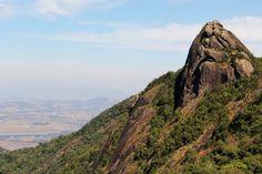 Trilha para o Pico do Lopo em Extrema, Minas Gerais