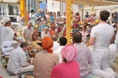 Сегодняшний индийский новостной репортаж о ягье в Подмосковье, которую ежегодно уже более 15 лет проводит Духовный Учитель Шри Пракаш Джи.  https://www.facebook.com/shriprakashdham/videos/vb.100012247246312/336902883394617/?type=2&theater    НОВОСТИ: #новости@shri_prakash_ji    #йогамама #yogamama #послеродов #yoga #yogance #yogalove #yogadance #yogaholic #yogaposes #yogavideo #yogapractice #igyoga #namaste #myyogalife #mens_yoga #yogaeveryday #йога #yogastretch #yogazeta…
