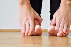 Learn how to tell if you have the common foot problem known as splay foot and simple treatment exercises that help ease splay foot pain. Plantar Fasciitis Exercises, Plantar Fasciitis Treatment, Heel Pain, Foot Pain, Workout Gear, No Equipment Workout, Yoga Workouts, Foot Exercises, Stretches
