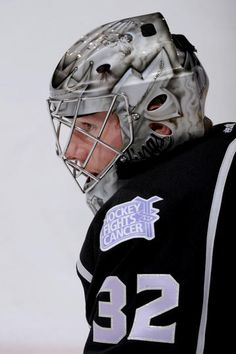 Jonathan Quick sporting a different mask, and a hockey fights cancer patch. Goalie Gear, Goalie Mask, Hockey Goalie, Ice Hockey, Jonathan Quick, Nhl Shop, La Kings Hockey, Hot Hockey Players, Nhl Jerseys
