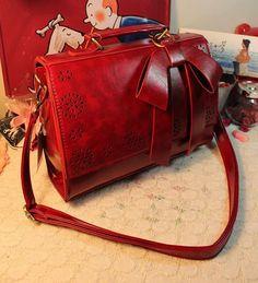 Red Fashion Korean Retro Hollow Bow Lady Tide Single Diagonal Shoulder Handbag Exquisite Leather Bag http://www.eozy.com/red-fashion-korean-retro-hollow-bow-lady-tide-single-diagonal-shoulder-handbag-exquisite-leather-bag.html