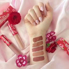 Girls Girls Girls is an ultimate collection of nudes that work on, literally, everyone! 🙌🏻🙌🏼🙌🏽🙌🏾🙌🏿 Shop: limecrime.com/girlsgirlsgirls  Swatched by: @jenelises