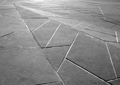metal in paving Flagstone Paving, Outdoor Paving, Garden Paving, Outdoor Flooring, Paving Stones, Landscape And Urbanism, Landscape Architecture Design, Urban Landscape, Architecture Details