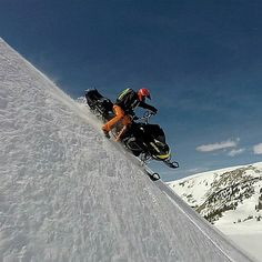 #Repost from @mercier4colorado with an #amazing #Spring - mobiling shot even though the season is winding down. #Love the photo, love the #scenary, and love the #passion. ❄⛄ #RECORDLIFE #Snowmobile #Sled #BRP #Braap #Braaap #Lifestyle #Mondaymotivation #Adventure #Outdoors #Winterdoesit #Action  #Follow @Cyclopsgear for more action photos\videos shot from our ambassadors. Also stay updated on new products coming soon! @skidooofficial @brp_monsters