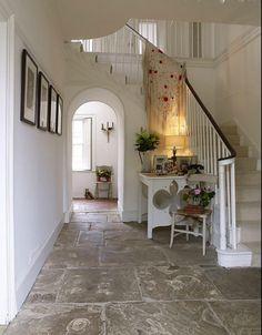 Un havre de paix en Angleterre. SVP, entrons. Source : 1st Option. (Home & Garden)