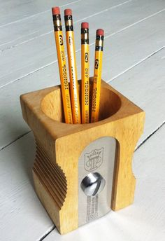 With a distinctive design and great attention to detail, this is the Sharpener Desk Tidy! - www.MyWonderList.com
