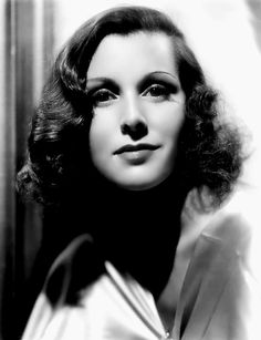 Frances DEE [*] Married to Joel McCrea - he died on their wedding anniversary. Their son Peter married Jack Lemmon's daughter Courtney in Vintage Hollywood, Classic Hollywood, Adrienne Ames, Divas, Ronald Colman, Olivia De Havilland, Star Wars, Katharine Hepburn, Actrices Hollywood