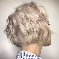 Layered Wavy Bob Haircut