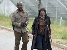 'The Walking Dead' Confirms Fan Theory With Gut-Wrenching Death | The Huffington Post