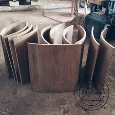 Puertas curvas para isla fabricadas en madera de #tzalam. Diseño: Arq. L.Q. #tricasa #woodwork #group #excelenciaencarpinteria #tumejoropcion