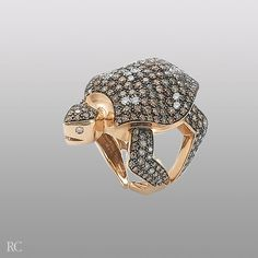 Turtle ring in rose gold with brown diamonds. By Roberto Coin. Jewelry Rings, Jewlery, Fine Jewelry, Turtle Ring, Brown Diamonds, Animal Rings, Italian Jewelry, Roberto Coin, Finding Nemo