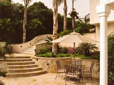 Love the stairs, tiered garden