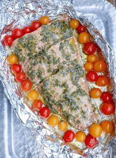 Keto Salmon in Foil Packets with Pesto, Low Carb - Keto Recipes Foil Packet Dinners, Foil Pack Meals, Foil Dinners, Ketogenic Recipes, Low Carb Recipes, Free Recipes, Salmon Foil Packets, Pesto Salmon, Camping Meals