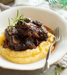 Clean Eating Short Ribs Recipe with Garlic and Rosemary | Fall-Off-The-Bone Short Ribs Recipes | Homemade Recipes