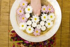 How+to+Detoxify+With+a+Foot+Bath+
