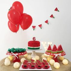 A imagem pode conter: comida Birthday Goals, Baby Birthday, First Birthday Decorations, Birthday Party Themes, Watermelon Birthday Parties, Happy B Day, Baby Party, Baby Shower Themes, Holidays And Events